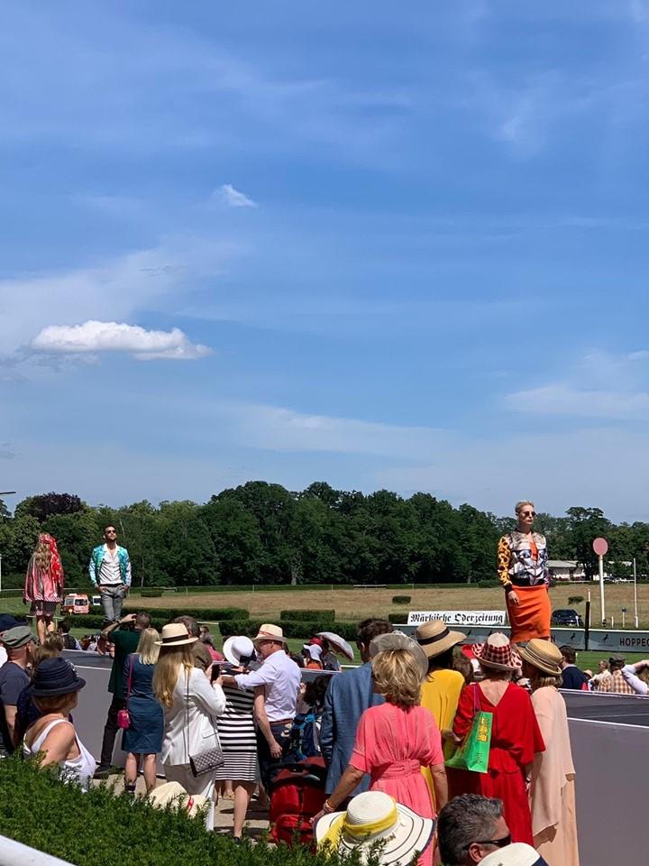 Modenschau auf der Rennbahn Hoppegarten